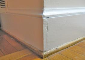 2.5 Σπάσιμο εσωτερικής γωνίας από σοβά σε ένωση τοιχίου με δοκάρι  ή κολόνα - Κεντρική Εικόνα