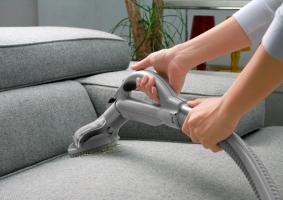 Υπάρχει κάτι γι' αυτό τον πάνινο το καναπέ που κάθε τρεις και λίγο θέλει καθάρισμα; - Κεντρική Εικόνα