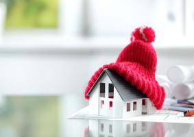 Με τι άλλο μπορεί να συνδυασθεί η εξωτερική θερμομόνωση της τοιχοποιίας μιας κατοικίας ώστε να παρέχει τα μέγιστα οφέλη εξοικονόμησης ενέργειας που είναι απαραίτητα για την θέρμανση ή ψύξη κάποιας κατοικίας, ανάλογα με την εποχή του χρόνου;  - Κεντρική Εικόνα